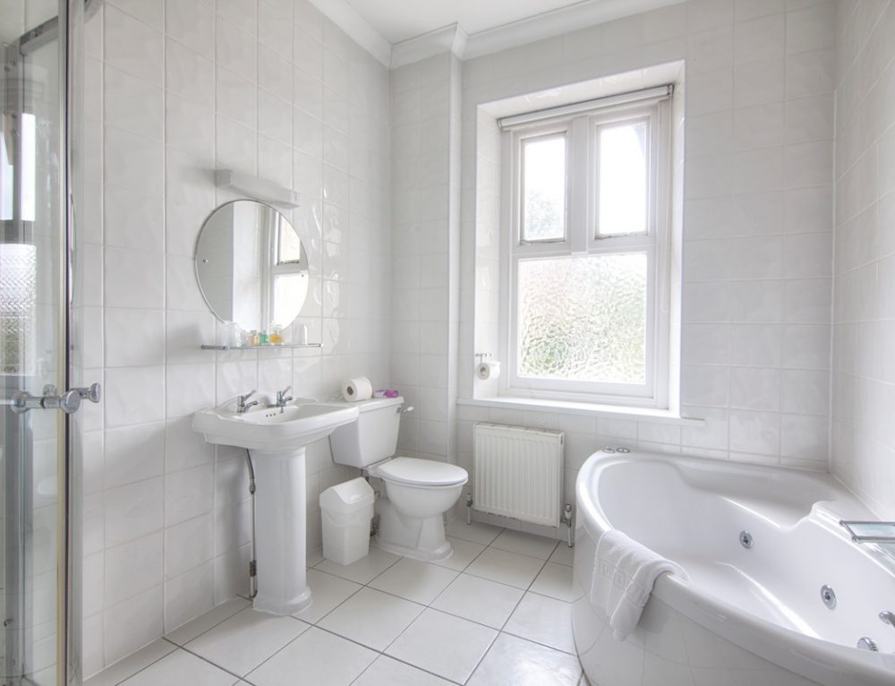 Luccombe Hall Standard Family Room Bathroom