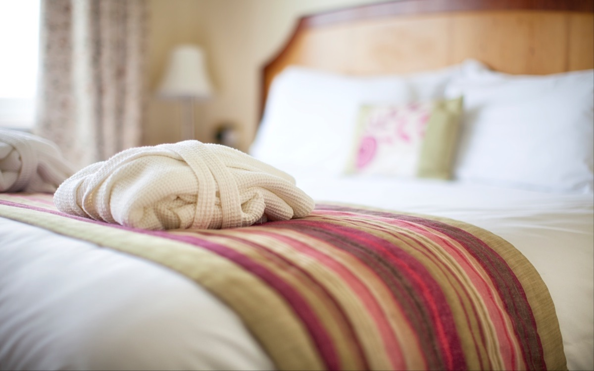 Best Rate Bed & Breakfast, Luccombe Hall Hotel, Isle of Wight