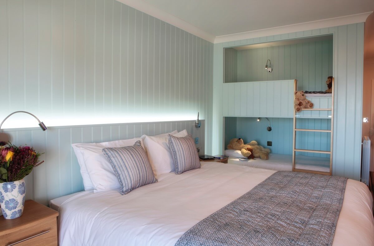 King Size Or Twin Beds With Built In Bunk Beds Luccombe