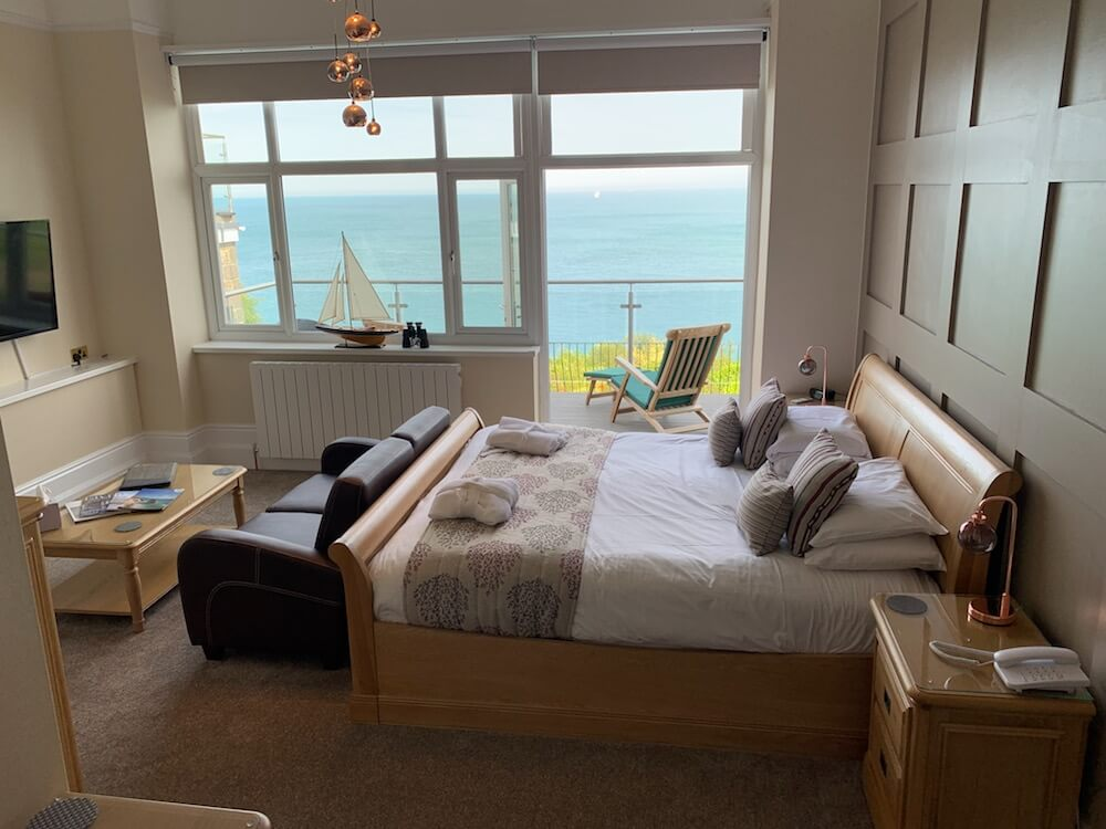 Rm2, Executive Suite, Sea Views, Luccombe Hall Hotel, Isle of Wight 1