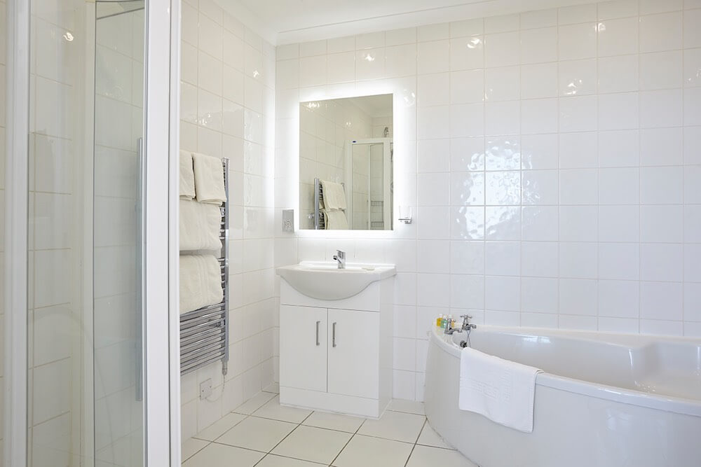 En-Suite Bathroom, Executive Suite Room 2, Luccombe Hall Hotel, Isle of Wight